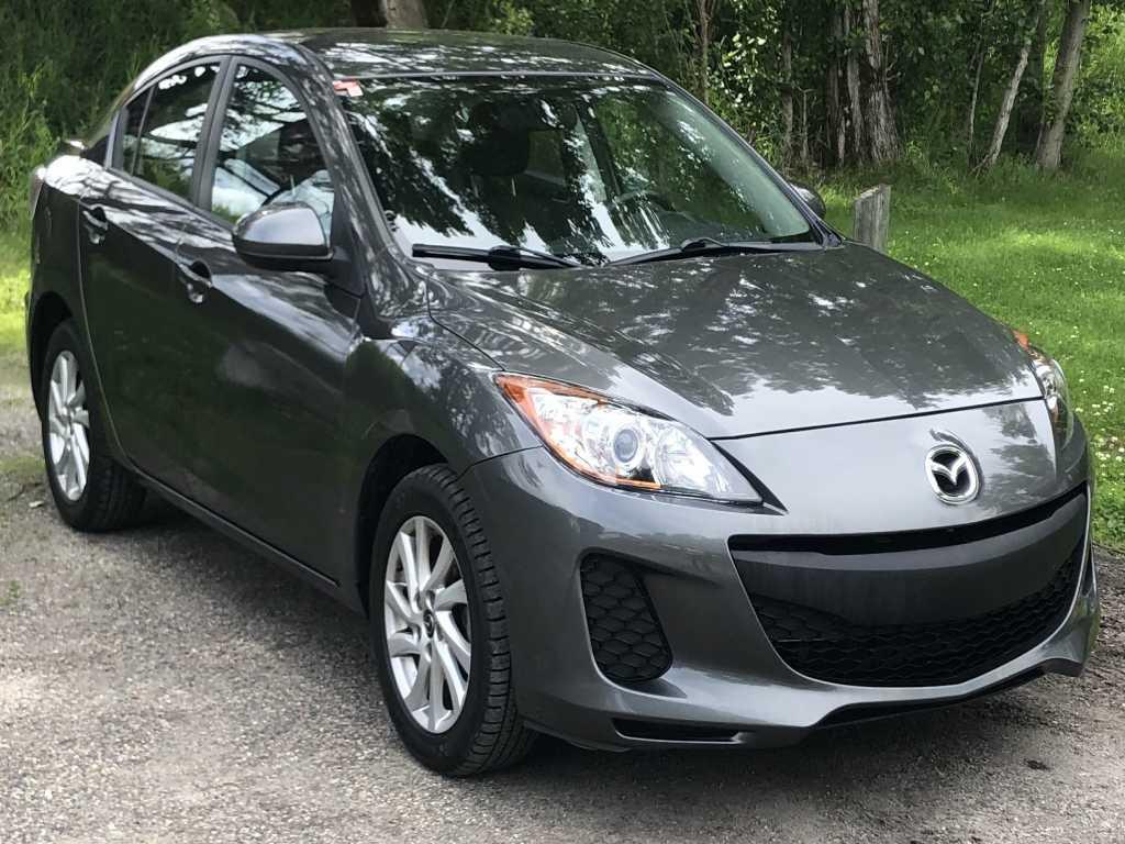 Mazda3 JM1BL1V76D1851375